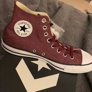 New Converse high top size 9.5woman